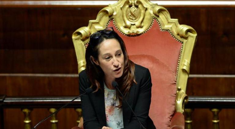 Paola Taverna contro i dissidenti del M5S