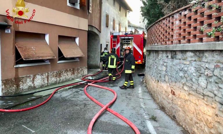 pordenone incendio in appartamento morto bambino 768x462