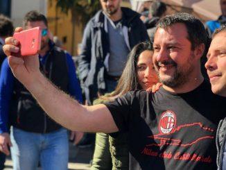 Sardegna, Matteo Salvini risponde ai contestatori