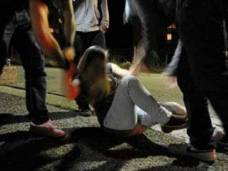 """Viareggio, ragazza denuncia """"Drogata e violentata da quattro uomini"""""""