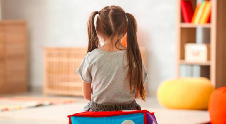 Bambina autistica offesa dalle maestre