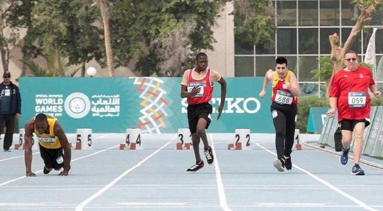 bolt celebra atleta disabile