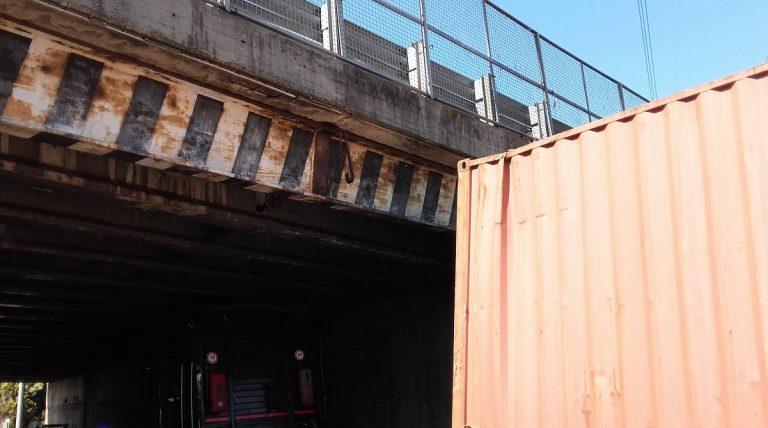 cesano maderno camion ponte