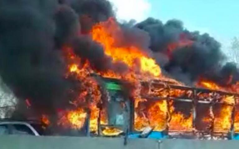 Chi è il senegalese che ha incendiato il bus