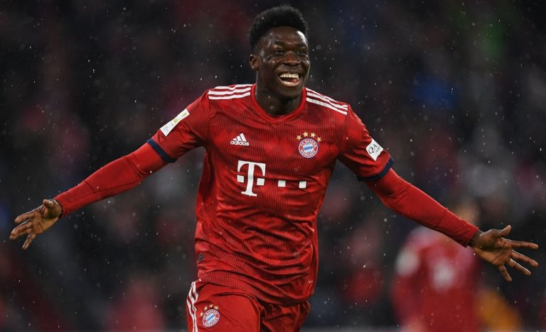 Bayern Monaco, il primo gol di Alphonso Davies