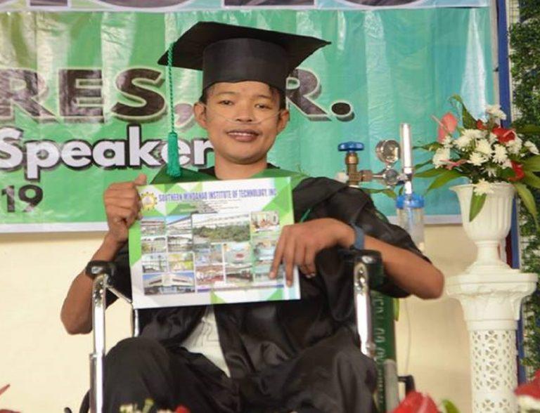 filippine laurea muore 768x588