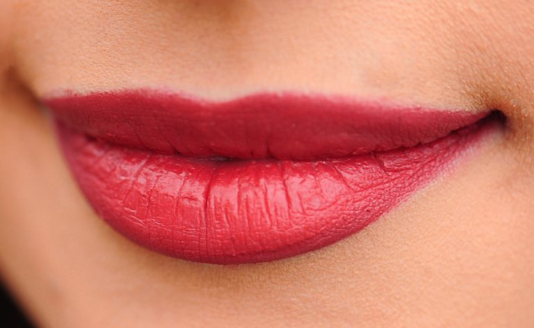 Come ottenere le labbra più carnose con rimedi naturali