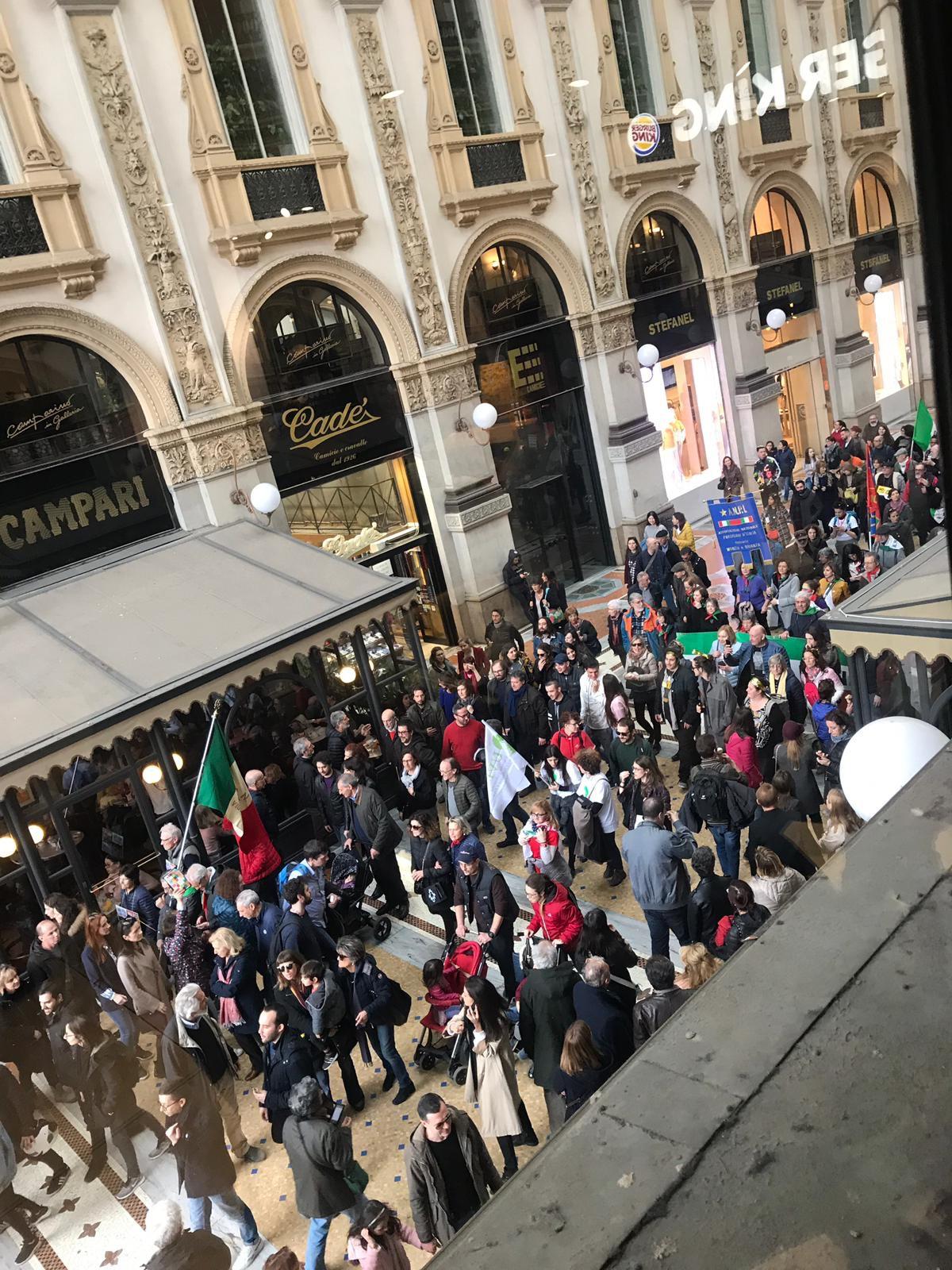 Manifestazione in galleria