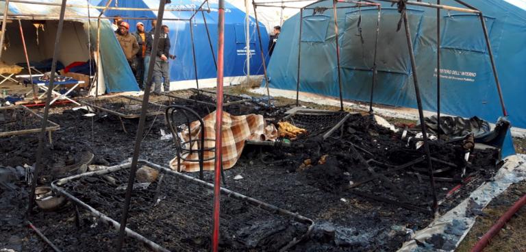 Migranti, incendio San Ferdinando