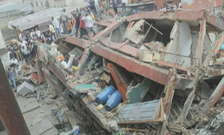 nigeria crolla una scuola 768x465