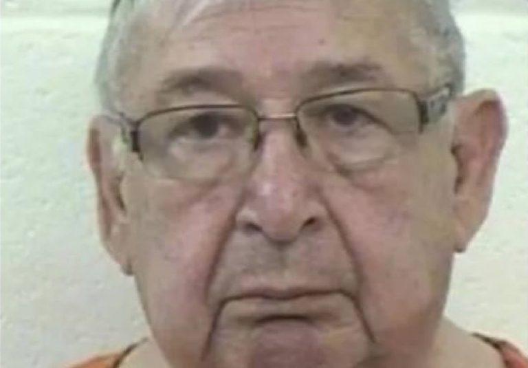 USA, prete abusa di una bambina fino a farle vomitare: processato