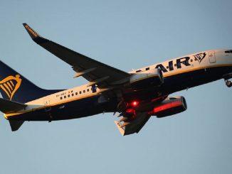 Ryanair rifiuta l'imbarco a una 16enne malata di cancro