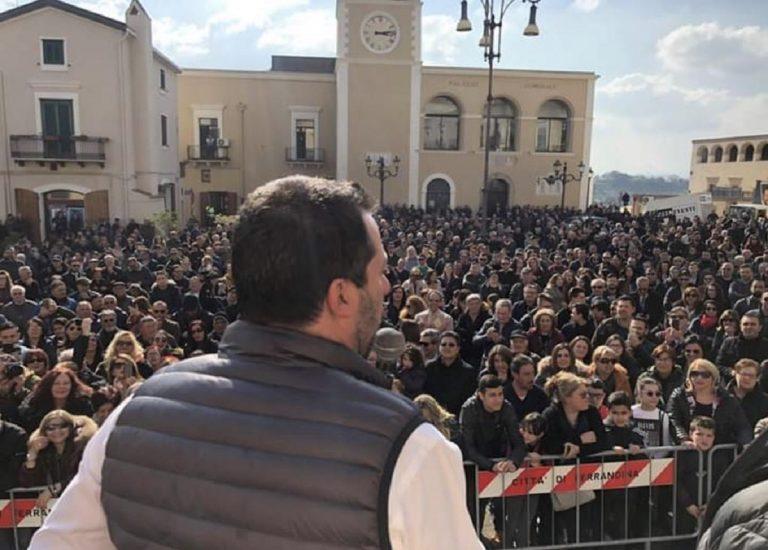 """Terrorismo, Salvini in allarme """"Che la Francia ci dia una mano"""""""