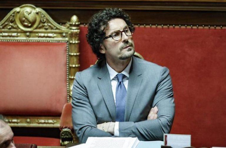 Danilo Toninelli in Senato