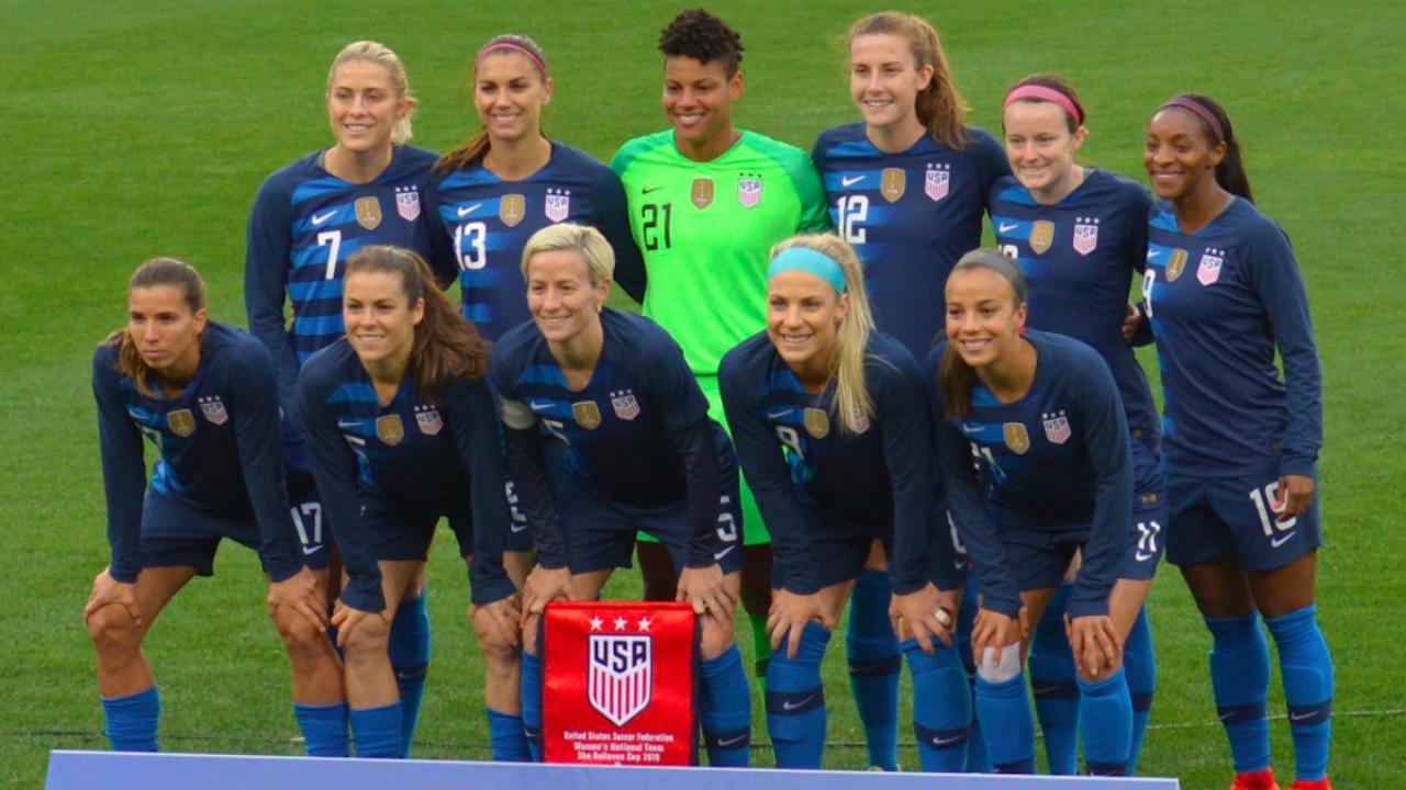 La nazionale di calcio femminile USA querela la federazione