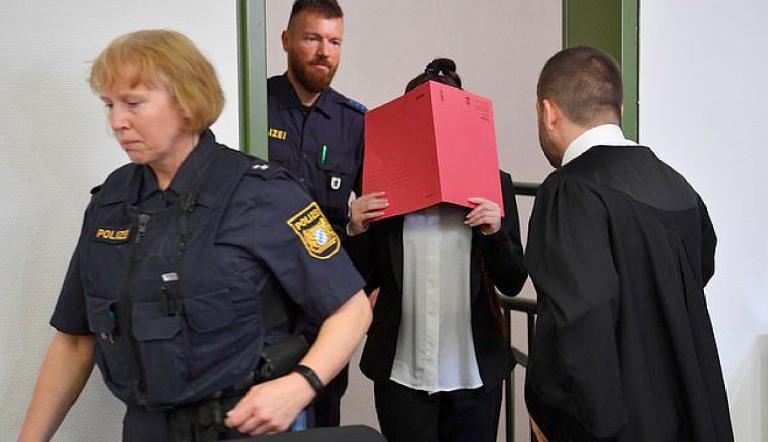 Bimba morta di sete, militante Isis a processo