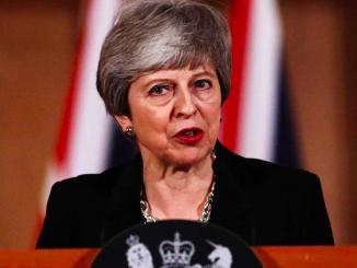 Brexit, May verso il rinvio