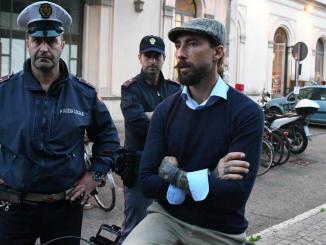 Monza, aggressione e sassaiola nei confronti di Vittorio Brumotti