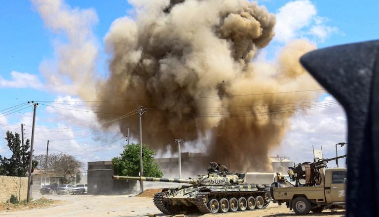Haftar bombarda Tripoli