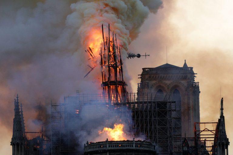 incendio-cattedrale-notre-dame-parigi