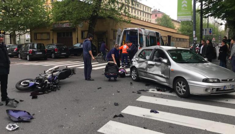 Incidente Milano, morto motociclista