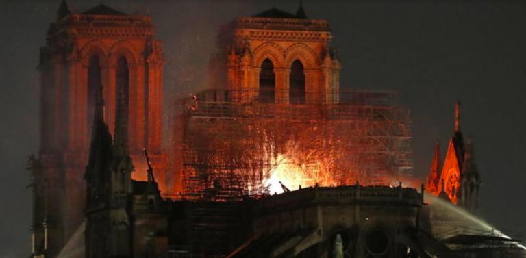 L'Isis esulta per Notre-Dame