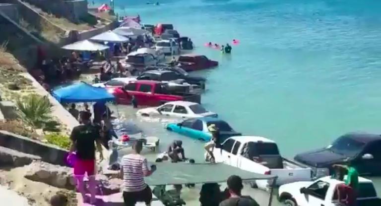 Messico, mareggiata a Puerto Penasco