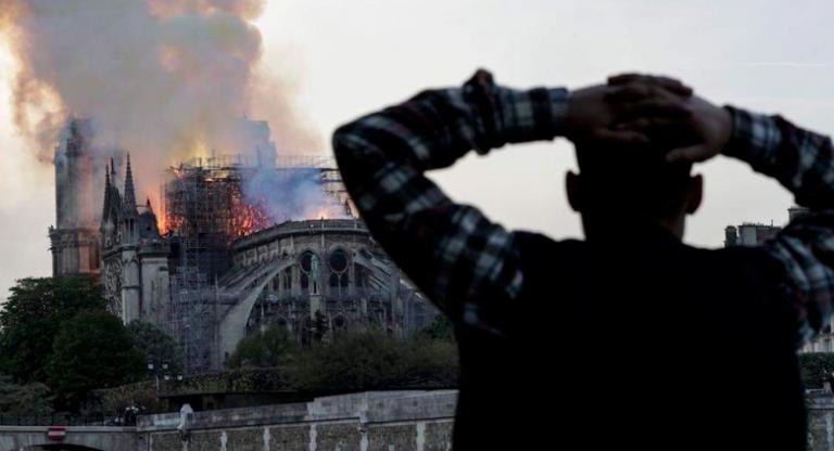 Notre-Dame donazione miliardario