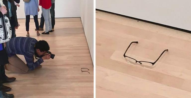 Occhiali scambiati per opera d'arte al MOMA
