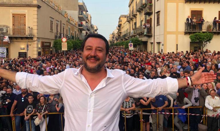 Salvini comunisti come i panda