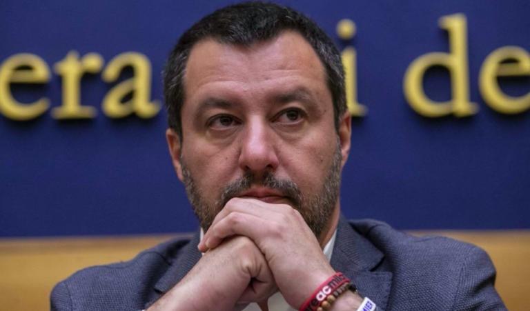 Scontro Salvini Trenta