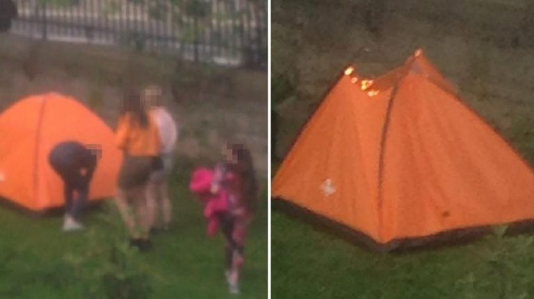 bambini fuoco tenda barbone