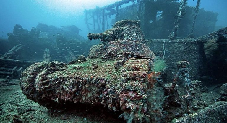 cimitero subacqueo giapponese