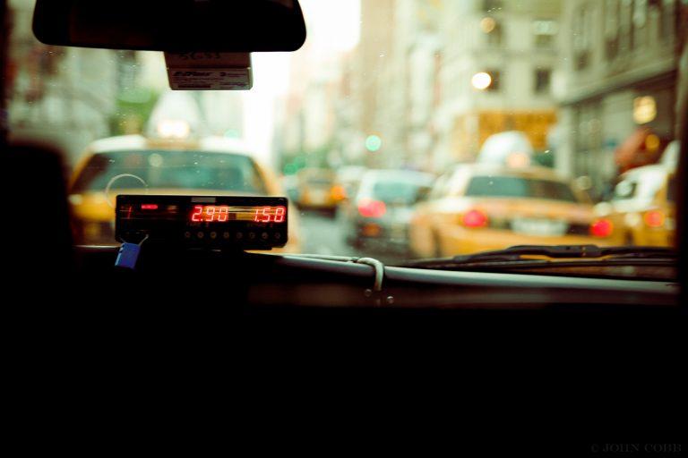 New York, autista di un taxi picchiato da un passeggero