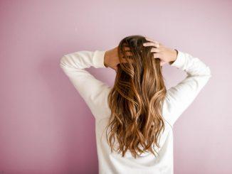 come far ricrescere i capelli