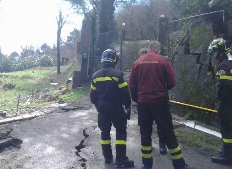 Frana travolge una casa nel bolognese, evacuate le abitazioni a valle
