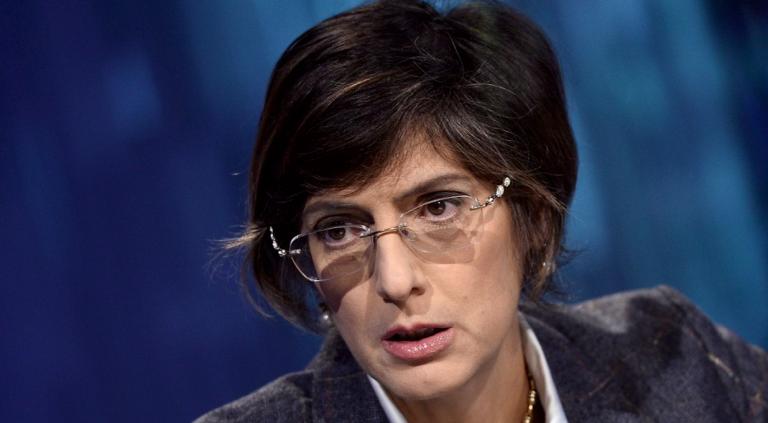 Giulia Bongiorno annuncia assunzioni