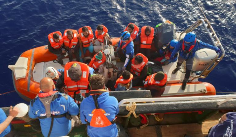 Migranti, Mare Jonio chiede porto sicuro