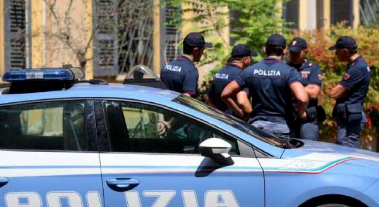 Milano bimbo morto in casa