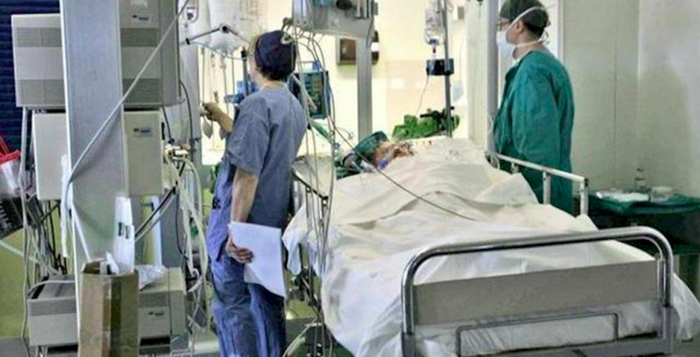 Ragazzo in coma si sveglia prima di espianto