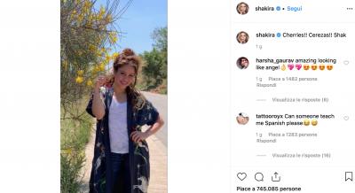 shakira instagram senza trucco 400x218