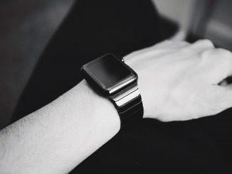 Smartwatch economico per Natale: funzioni e quale scegliere
