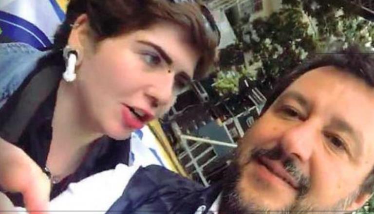 Valentina, minacce per il selfie con Salvini