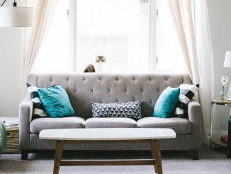 Come collocare il divano letto nell'arredamento salotto con zona notte