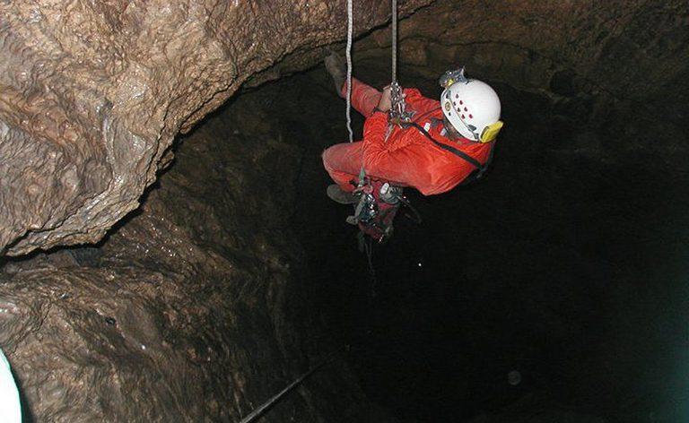 grotta-abisso