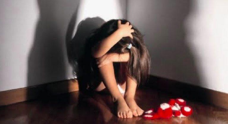 Lodi, pedofilo abusa di tre minori
