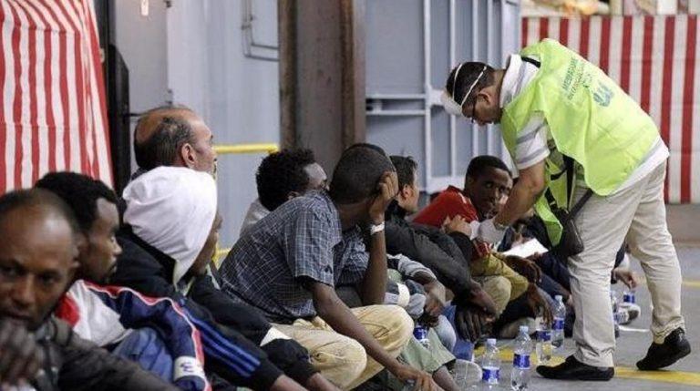 migranti taranto