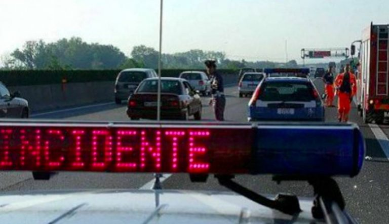Roma incidente A1