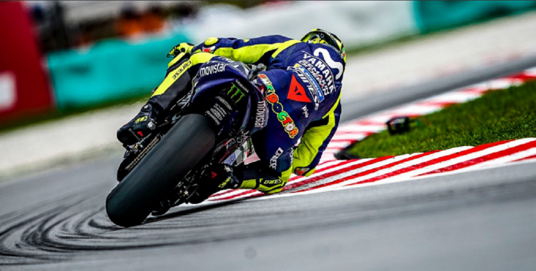 new concept 92163 bf360 Moto Gp: Valentino Rossi cade dalla moto e abbandona la gara