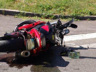 Taranto, incidente tra un motociclista ed una mucca: morti entrambi
